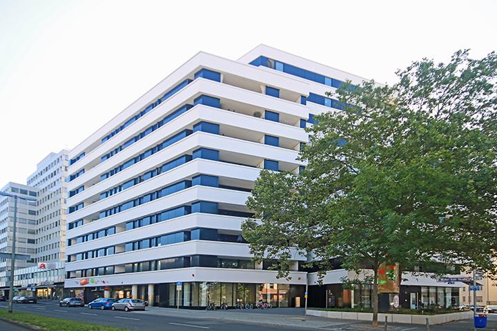 87 Wohnungen, Walter-Kolb-Straße, Frankfurt am Main, örtliches Aufmaß nach aktueller Wohnflächenverordnung (WoFlV) von 2003, Vermessungsnachweise in Plänen, Grundflächen und Wohnflächen in Tabellen, Für jede Wohnung Nachweis Wohnfläche für Kontrollzwecke und Finanzierungen